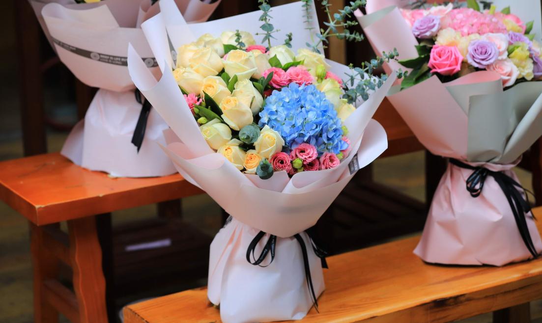 美团外卖:情人节当日鲜花相关商品销售环比增长近20倍